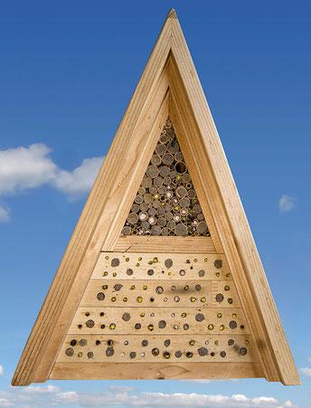 Jürgen Schwandt Bohrungen Hartholz Insektenhotel Insektennisthilfe Reet Schilf Pflanzenstengel Pflanzenstängel Wildienen wildbee insect hotel bee house