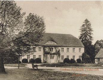 Das Gutshaus Friedenfelde. Der Rokoko-Charme ist längst verflogen. Von 1763 bis 1804 gehörte das Gut Joachim Erdmann von Armin.