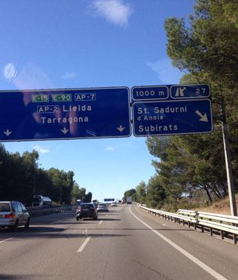 Nach Barcelona, Abfahrt St. Sadurni, bei Freixenet Wein und Sekt einkaufen