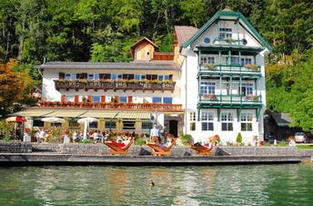 Mit dem Motorboot-Taxi von Wassersport Engel nach Fürberg