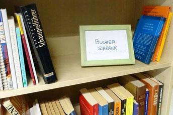 Öffentlicher Bücherschrank Projektgemeinde Kirche St. Barbara Duisburg Röttgersbach
