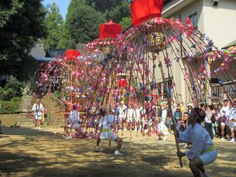 池辺杉山神社の花籠