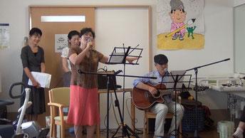 「アリラン」を歌うオモニ(お母様)・・・
