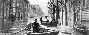 Chez Louis Vuitton on se fait une règle de n'accorder aucun rabais, ni remise, pour quelque motif que ce soit.   L'histoire fait suite à une catastrophe dans la capitale, la fameuse grande crue de la Seine de 1910, celle ci chamboula la vie des Parisiens.
