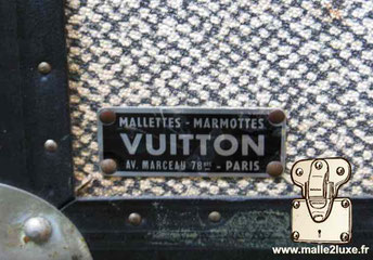Plaque rivetée Louis Vuitton :  Mallettes - Marmottes Vuitton Av. Marceau 78 bis - Paris