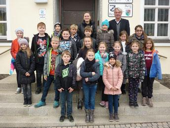Klasse 4a der Schwarzachtal-Schule in Berg