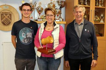 von links: 3. Platz Julian Witschi, Siegerin Herbst-Auflage-Pokalschießen 2018 Simone Wöhling, 2. Platz Hans-Heinrich Alps