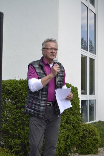 Der seit März 2019 amtierende neue Club-Präsident, Matthias Eschle, bei seiner Begrüßungsrede - © Golfclub Reutlingen-Sonnenbühl e.V.