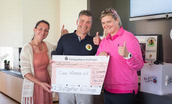 4.400,- € Charity-Summe, überreicht an Wintersport-Legende Susi Erdmann (Clean Winners-Botschafterin)