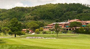 Das Clubhaus mit Blick über den Platz - © Golf Club Padova