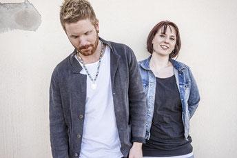 Das Label Schickimicki-Schnickschnack aus Hanau besteht aus dem Dreamteam Musiker Sternentramper und der Goldschmiedin Mirjam Schneider