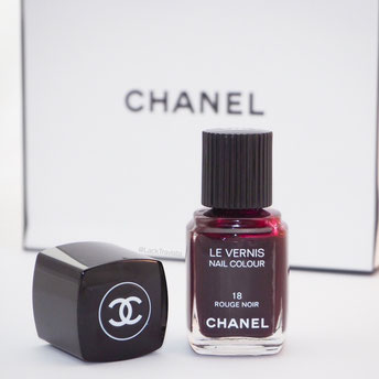 CHANEL le vernis rouge noir No. 18
