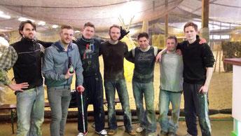 Selbstverteidigung Kampfsport und Nahkamf in Kürten Biesfeld Nähe Köln beim Paintball