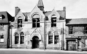 St Edward's Sunday School 1950s: the church stood  behind a courtyard behind this building. The building on the left was the rectory. Image posted by Astoness on Birmingham History Forum