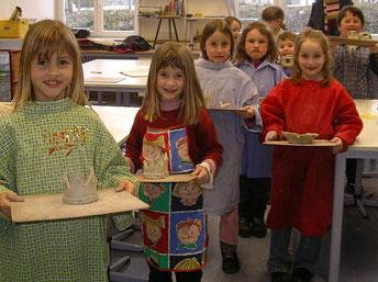 Kindergarten zu Besuch in der Töpferwerkstatt
