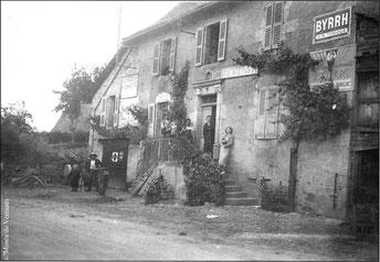 La forge et le commerce Emérial (Lacapelle-del-Fraisse)