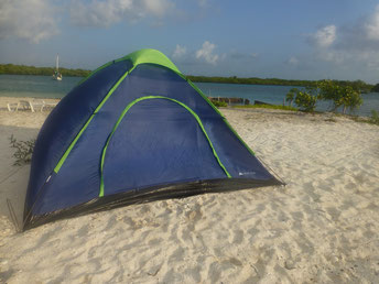 Tobacco Caye, Belize camping