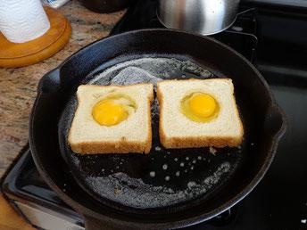 Pfanne Toast Eier braten