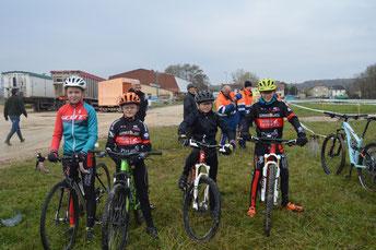 Les jeunes de l'école de vélo