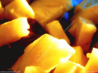 Gelbe Ananasstückchen