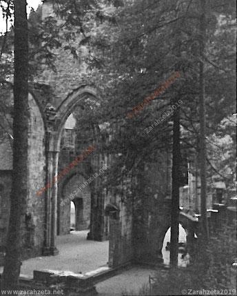 Alte Ruine als Schwarzweiß-Fotografie