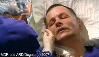Eine Knochenmarkspende von Jonas rettet Rolands Leben