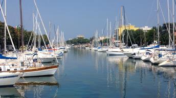 Kanal Rimini Boote Sonne Italien Harfen
