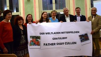 Der Weltladen Mitterfelden gratuliert Father Shay Cullen