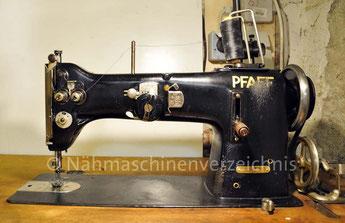 Pfaff 138-6-U,  ZZ-Gewerbenähmaschine, Flachbett, Umlaufgreifer, Hersteller: G. M. Pfaff AG, Kaiserslautern, Baujahr 1950 (Bilder: Nähmaschinenverzeichnis)