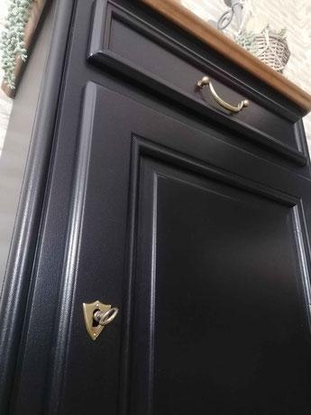 restauration de meuble le mans sarthe vintage noir doré confiturier merisier