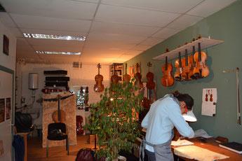 Atelier De Saedeleer, vioolbouwster in Brussel.