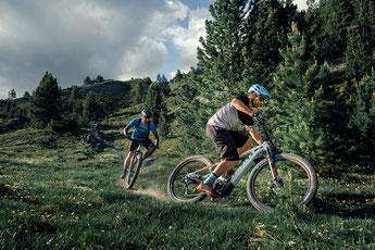 Bei der e-MTB Testfahrt leistungsstarke e-Mountainbikes testen und von den Experten aus der e-motion e-Bike Welt Wien beraten lassen.