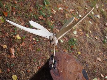 papillon bizarre en bois flotté et cagette pour ombre chinoise