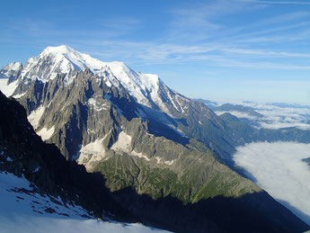 Mont-Blanc soleil et Chamonix brouillard