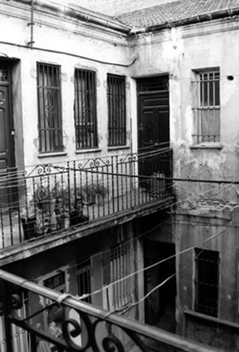 Figura 4. Ejemplo de casa de corredor. Calle Santa Hortensia 12.