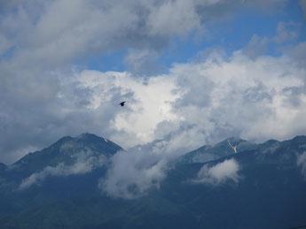 雲間の常念岳