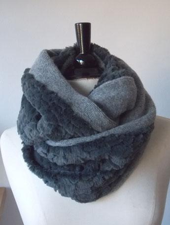 lange Rundschals aus Kunstfell | Plüsch kombiniert mit Wolle