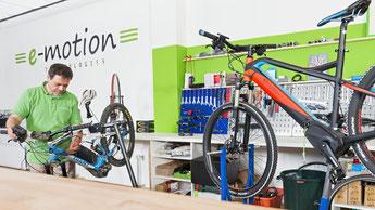 Werkstatt und Reparatur Service für Dreiräder