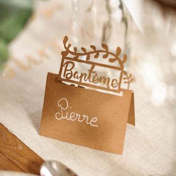 bapteme-theme-boheme-chic-decoration-de-table-marque-place-kraft