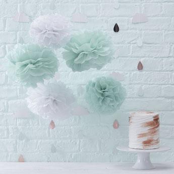 5 pompons vert menthe et blanc - déco baby shower - baby shower party decoration