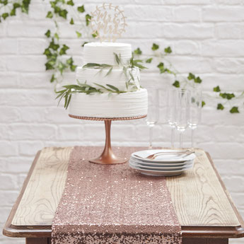 chemin-de-table-nappe-bapteme-decoration-de-table bapteme-chemin-de-table-rose-gold