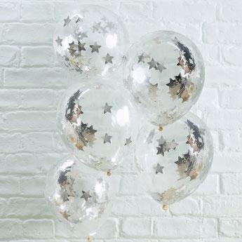 anniversaire-enfant-theme-blanc-noir-argent-ballons-etoiles-argent
