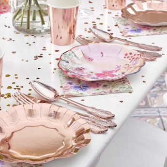 couverts-decoration-bapteme-decooration-de-table-bapteme-couverts-rose-gold
