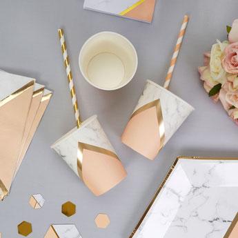 baby-shower-pastel-peche-et-marbre-deco-table.jpg