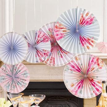 theme-bapteme-garcon-fleurs-liberty-decoration