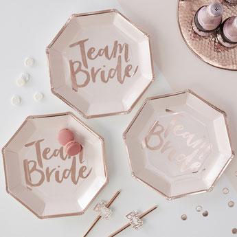 deco-table-enterrement-vie-jeune-fille-assiettes-team-bride