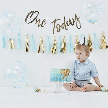 decoration-anniversaire-1-an-garcon-kit-anniversaire-1-an-garcon-les-bambetises
