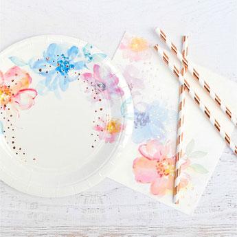 bapteme-fleurs-pastels-rose-gold-vaisselle-jetable.jpg