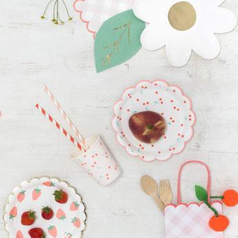 anniversaire-1-an-theme-fraises-et-cerises.jpg