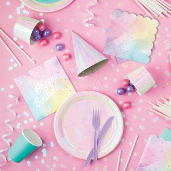 anniversaire-theme-cygne-irise-assiettes-gobelets-serviettes.jpg